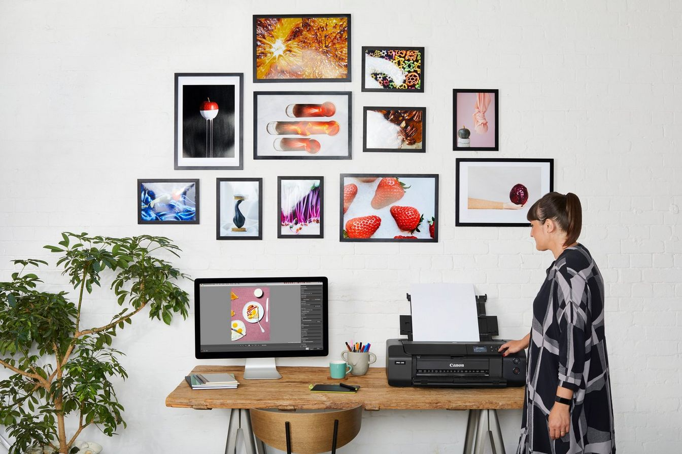 A gallery image of PIXMA Pro-200 with various photo prints