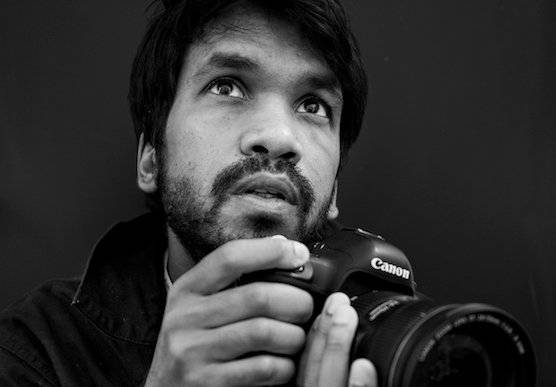 Photographer and Canon Ambassador Jérôme Gence with his Canon camera. © Chi-Hui Lin