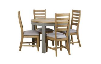 Round Extending Table & 4 Slat Wood Back Chairs Helmsley