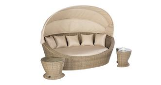 Roberto Roberto Daybed & 2 Tables