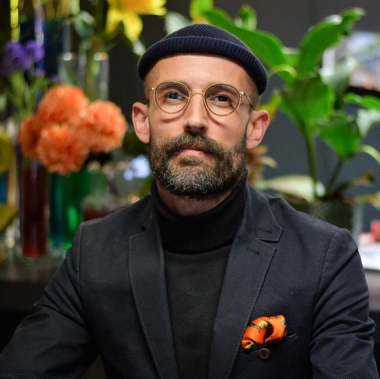 2: On the Sofa with Davide Jayet-Laraffe - Flowers and interiors