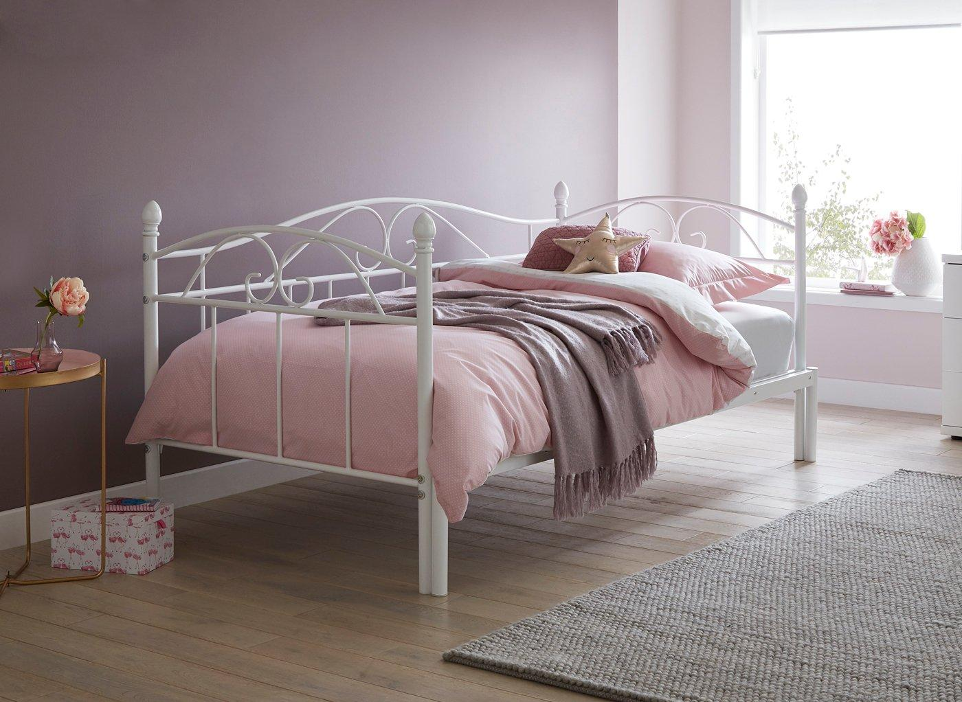 kylie-metal-day-bed-with-pull-out