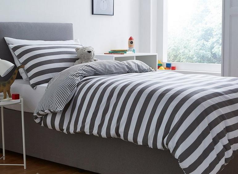 Silentnight Grey Stripe Duvet Set