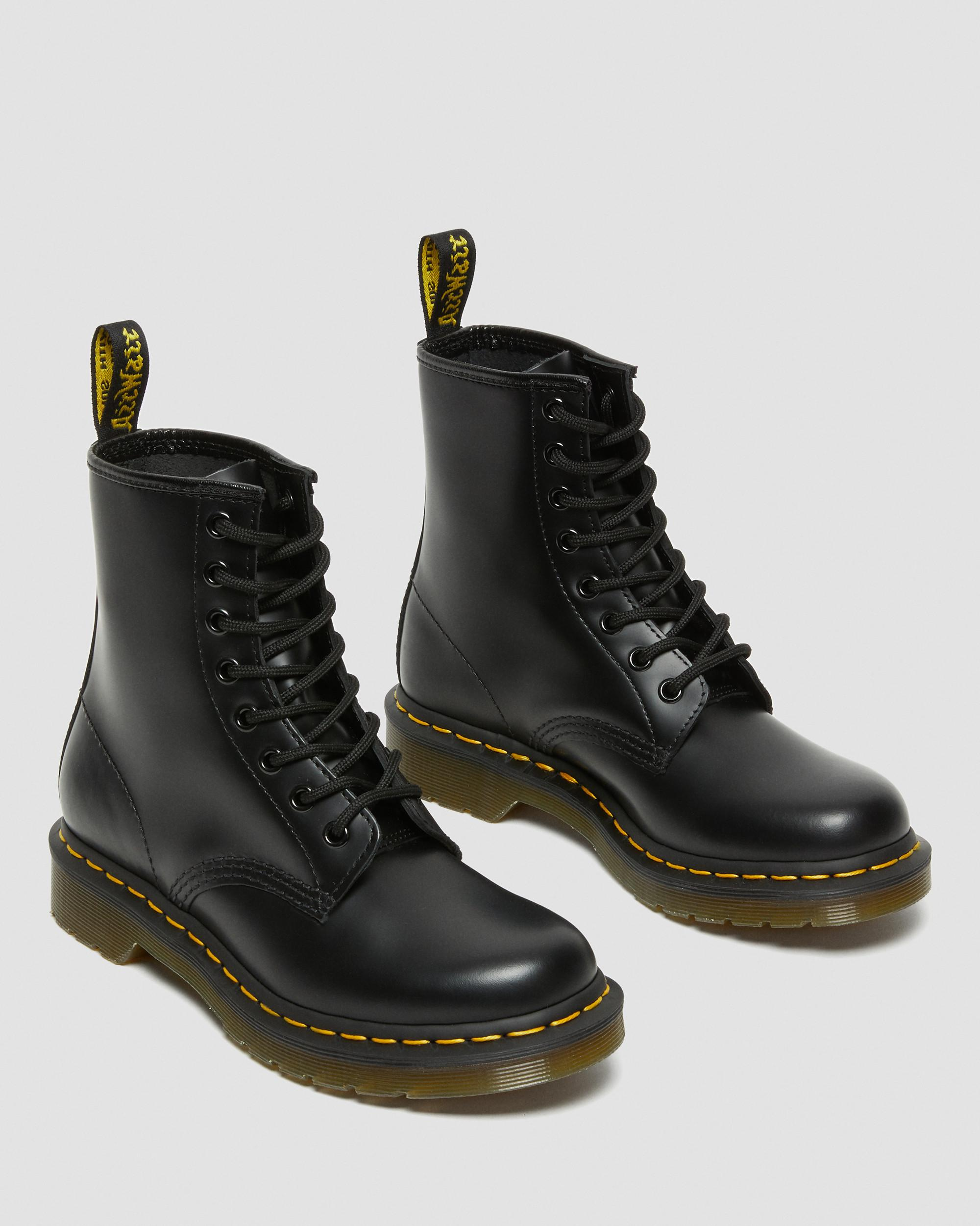 doc martens 1460 smooth black