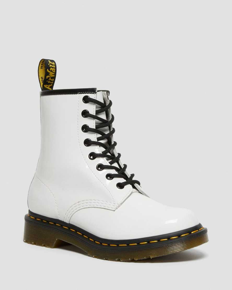 https://i1.adis.ws/i/drmartens/11821104.87.jpg?$large$1460 Patent Leather Boots | Dr Martens