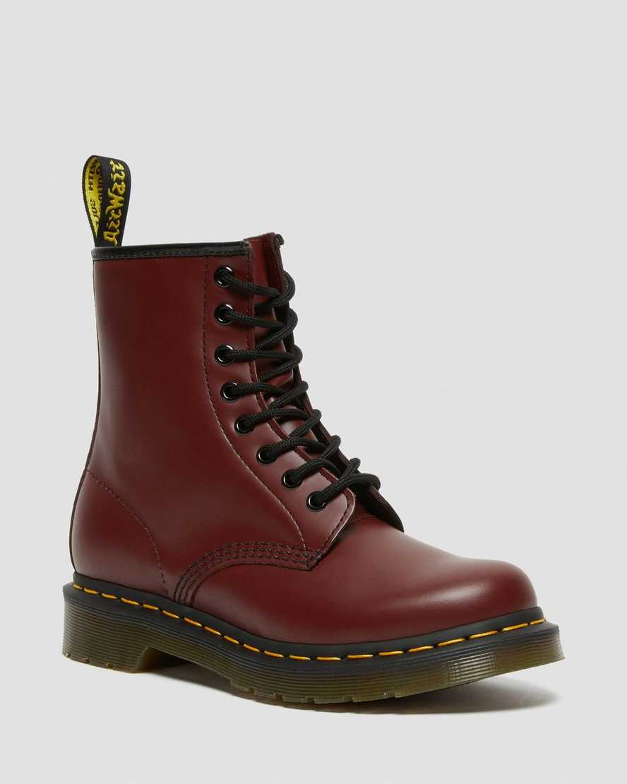 https://i1.adis.ws/i/drmartens/11821600.89.jpg?$large$1460 Women's Smooth Leather Lace Up Boots | Dr Martens