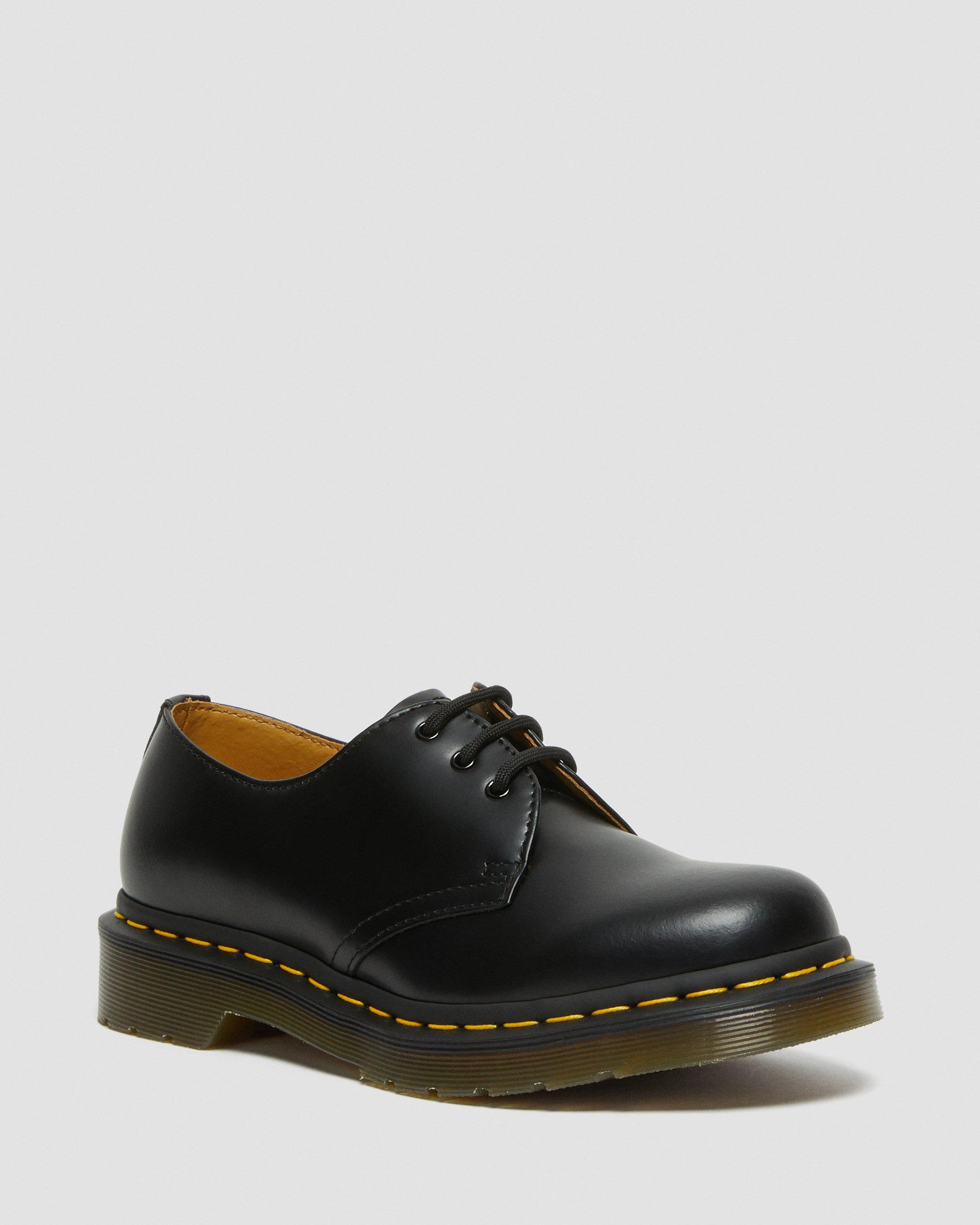 SMOOTH LEATHER OXFORD SHOES | Dr. Martens