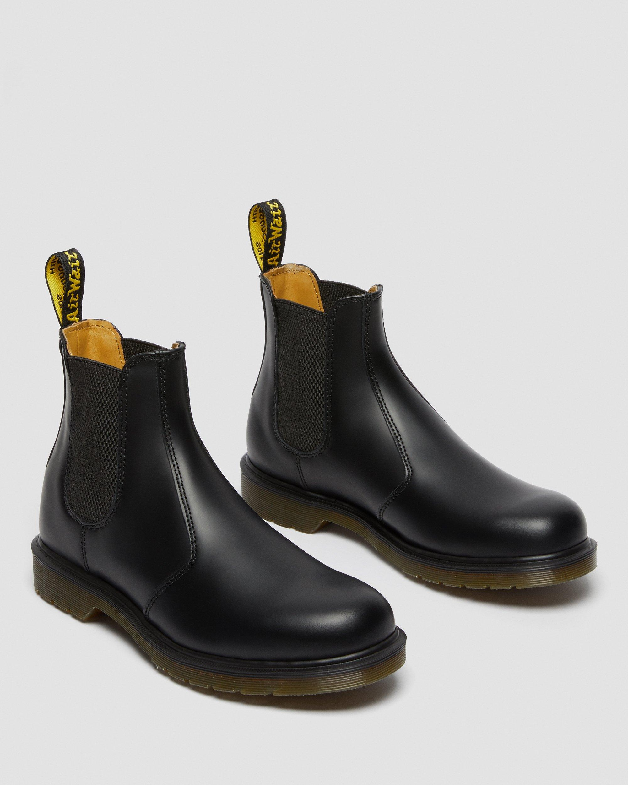 dr martens smooth chelsea boots