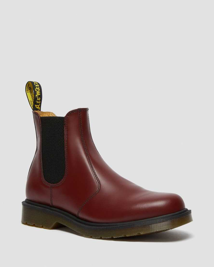 https://i1.adis.ws/i/drmartens/11853600.88.jpg?$large$2976 Smooth Leather Chelsea Boots | Dr Martens