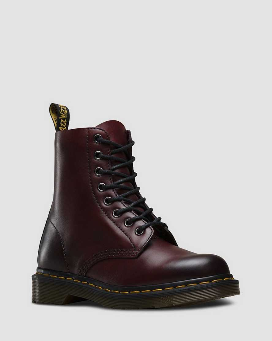on feet shots of wholesale sales online retailer DR MARTENS 1460 PASCAL ANTIQUE TEMPERLEY