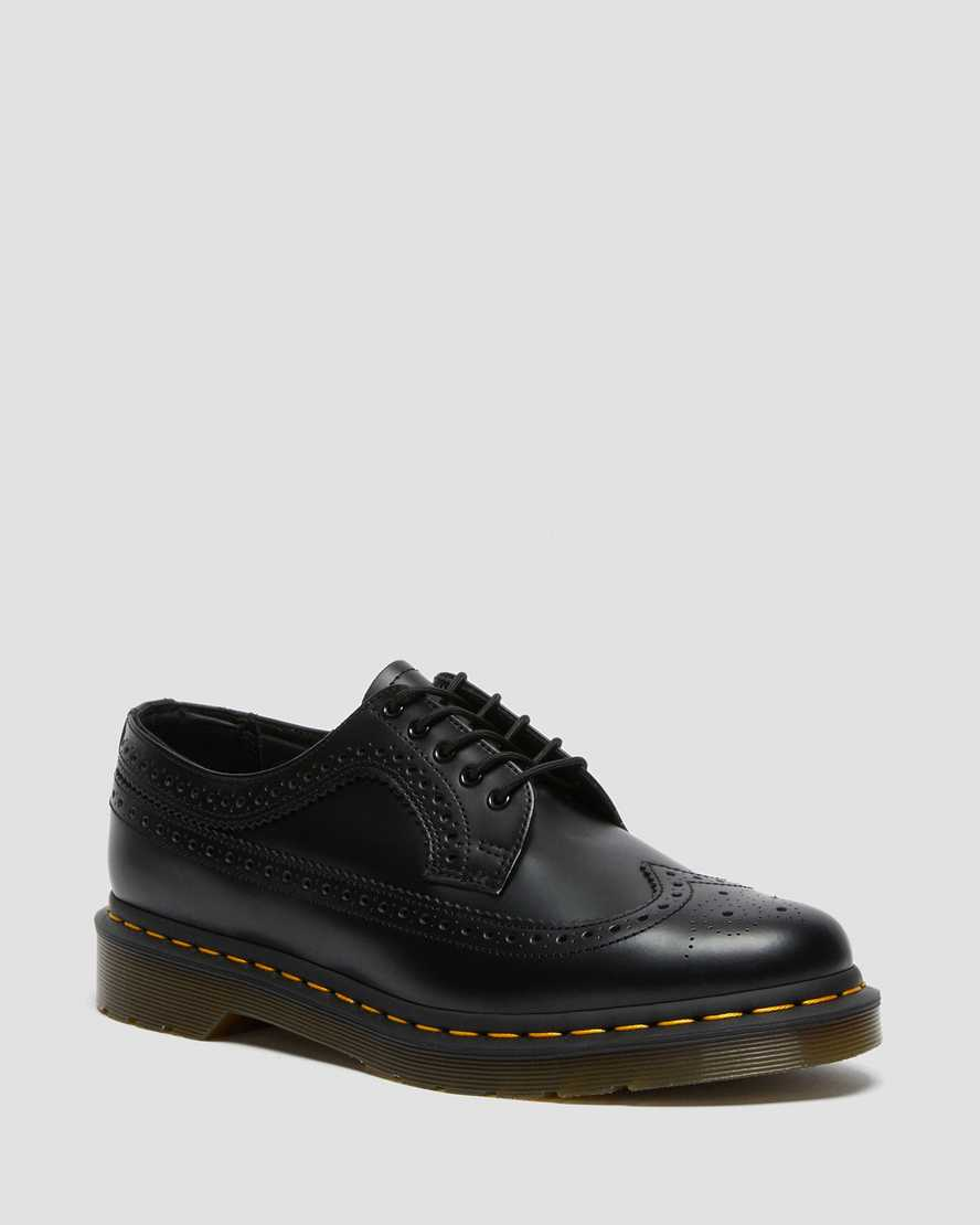 https://i1.adis.ws/i/drmartens/22210001.88.jpg?$large$3989 Yellow Stitch Smooth Leather Brogue Shoes | Dr Martens