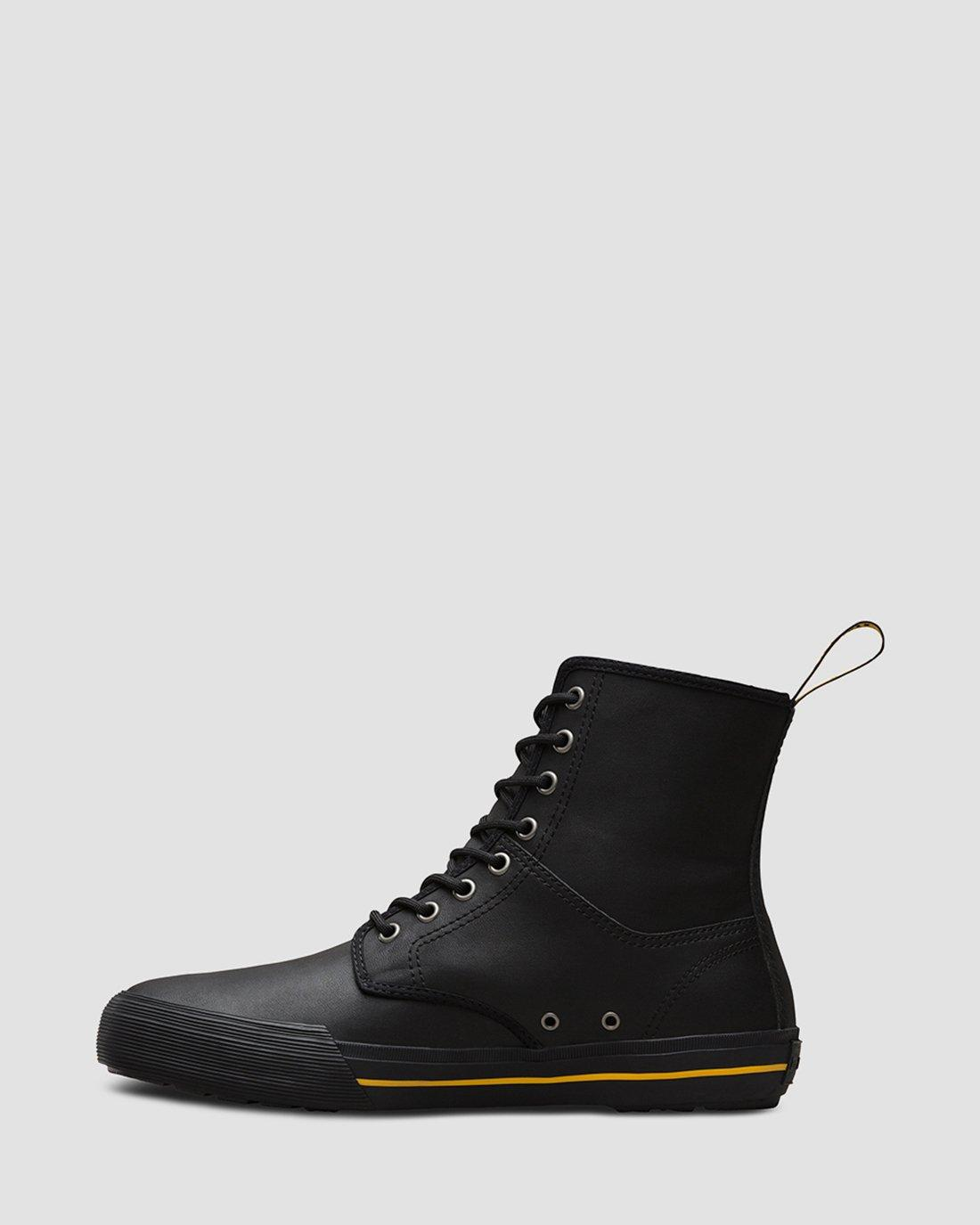 WINSTED LEATHER | Dr. Martens