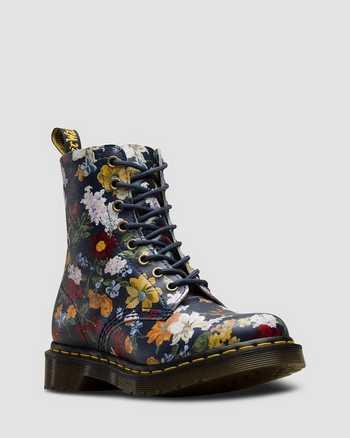 DM'S NAVY | Boots | Dr. Martens