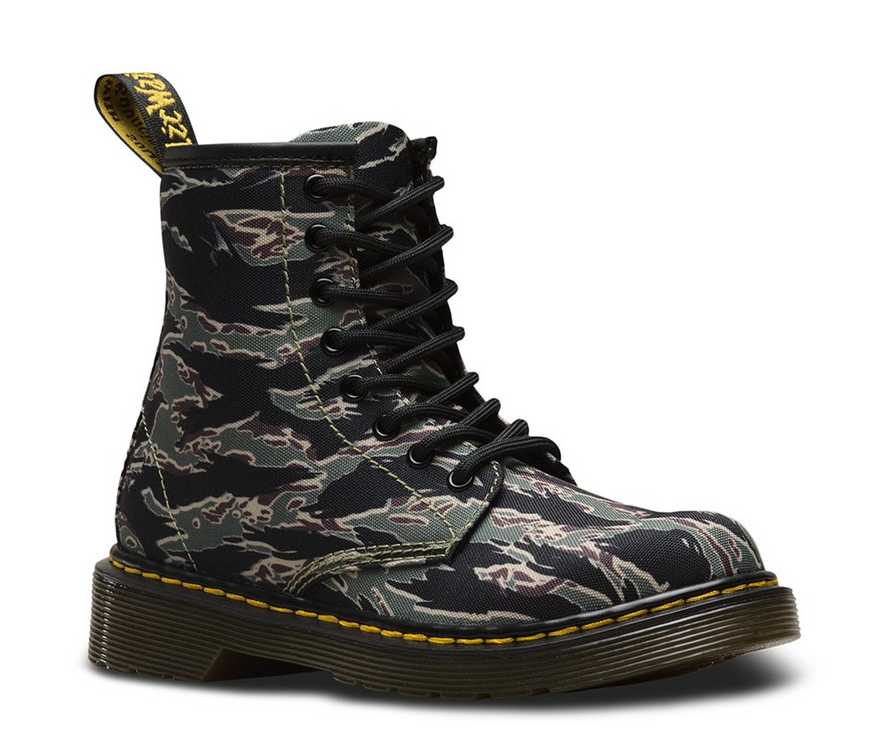 22ebe04cea6a2 JUNIOR 1460 CAMO | Kids | Dr. Martens Official Site