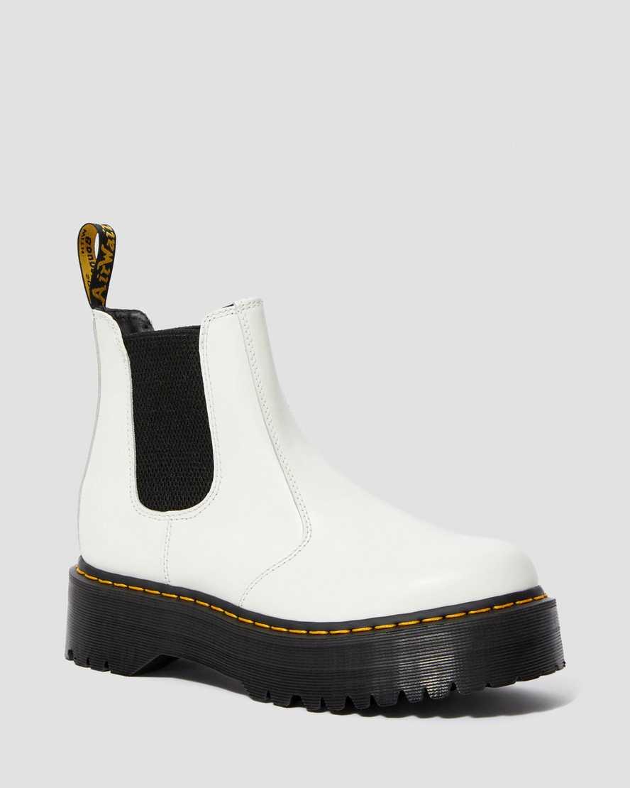 https://i1.adis.ws/i/drmartens/25055100.87.jpg?$large$2976 Smooth Leather Platform Chelsea Boots | Dr Martens