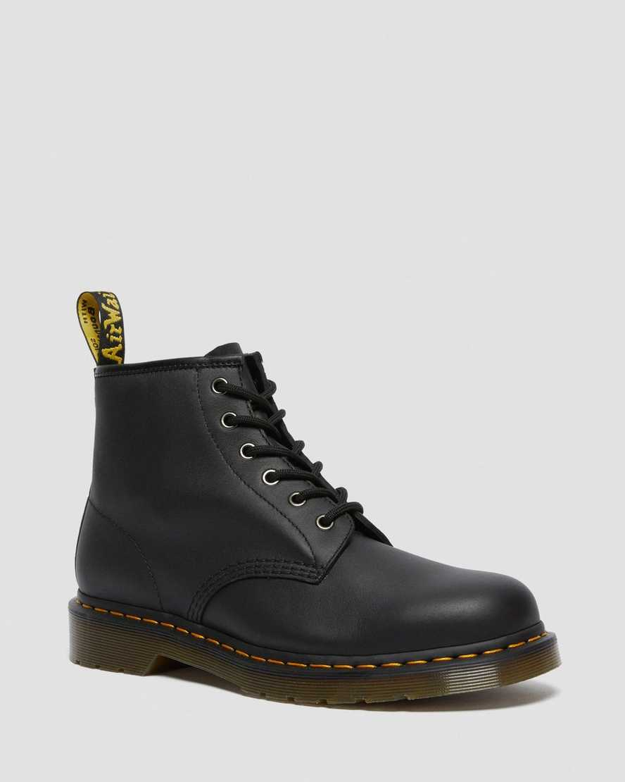 https://i1.adis.ws/i/drmartens/26409001.88.jpg?$large$101 LEATHER ANKLE BOOTS | Dr Martens