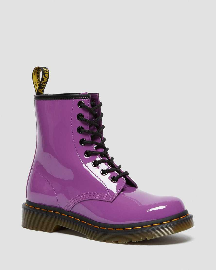 https://i1.adis.ws/i/drmartens/26425501.88.jpg?$large$1460 Women's Patent Leather Lace Up Boots | Dr Martens
