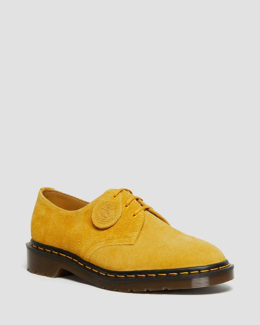 https://i1.adis.ws/i/drmartens/26527751.87.jpg?$large$1461 SUEDE LACE UP SHOES | Dr Martens