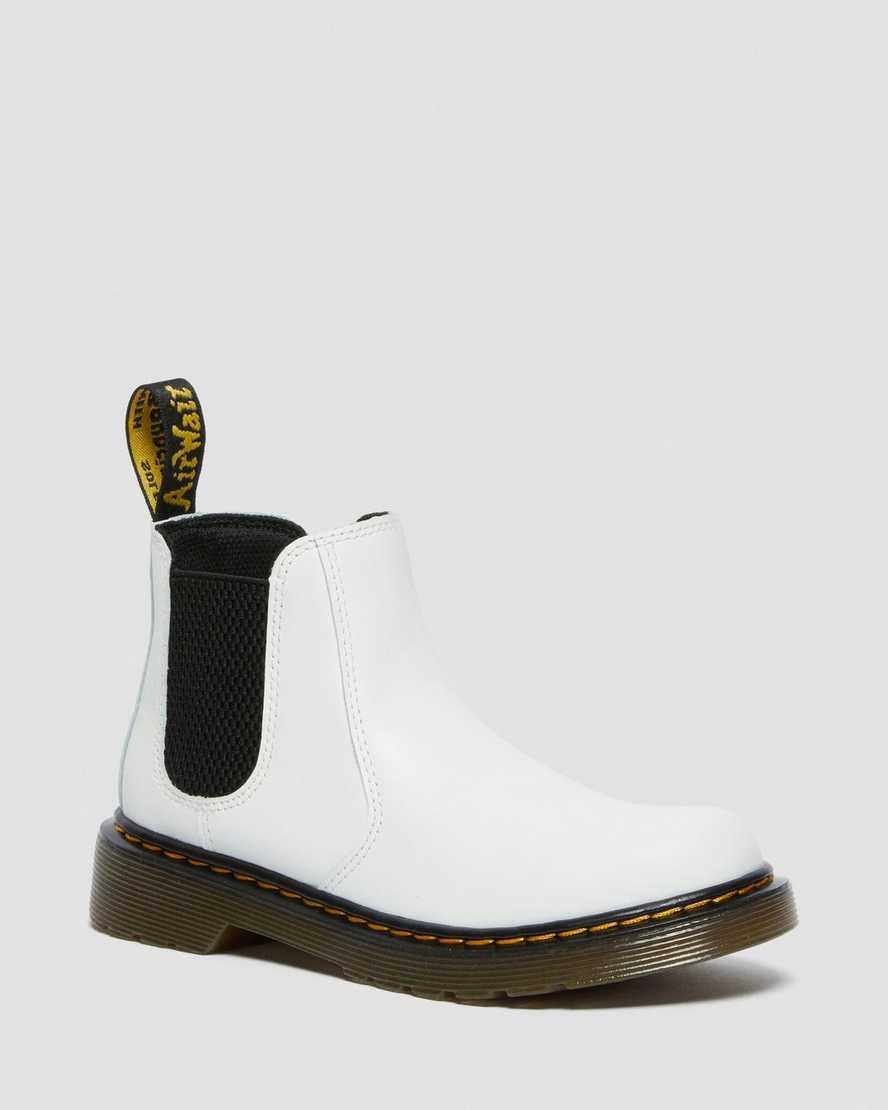 https://i1.adis.ws/i/drmartens/26615100.88.jpg?$large$Junior 2976 Leather Chelsea Boots | Dr Martens