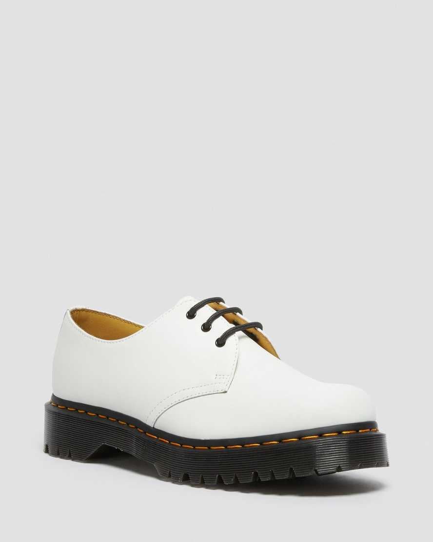https://i1.adis.ws/i/drmartens/26654100.88.jpg?$large$1461 Bex Smooth Leather Oxford Shoes | Dr Martens