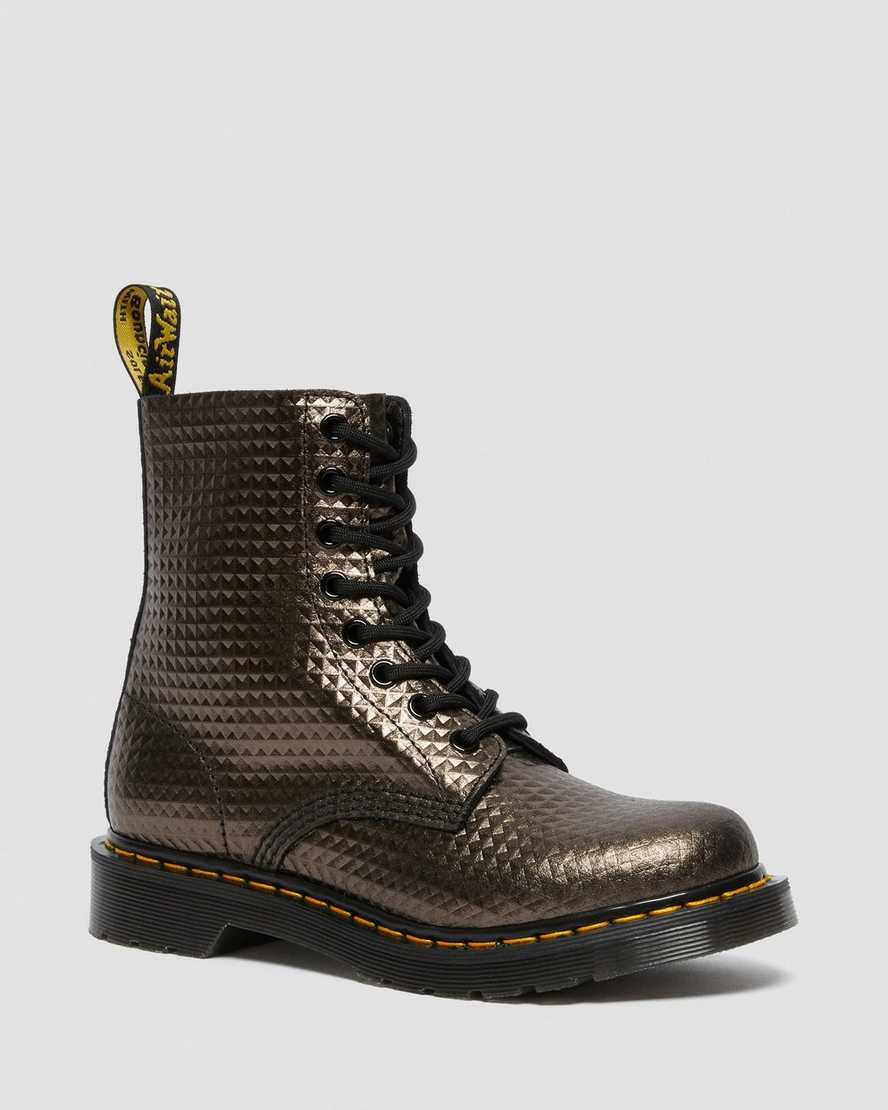 https://i1.adis.ws/i/drmartens/26656029.88.jpg?$large$1460 Pascal Stud Emboss Leather Lace Up Boots | Dr Martens