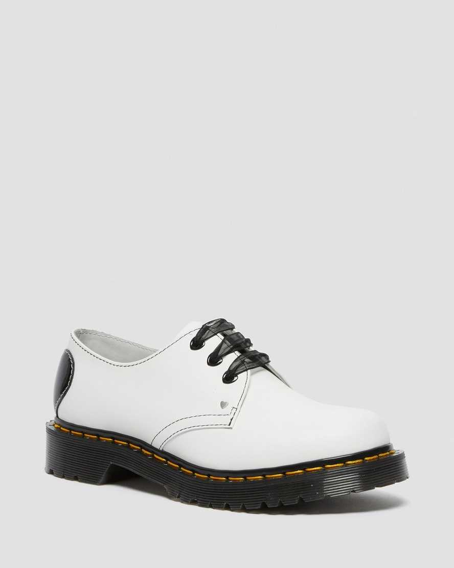 https://i1.adis.ws/i/drmartens/26682100.89.jpg?$large$1461 Hearts Smooth & Patent Leather Oxford Shoes | Dr Martens