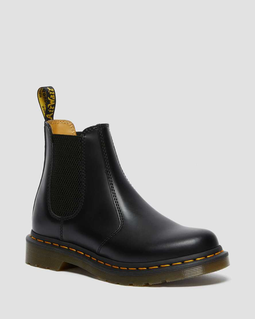 https://i1.adis.ws/i/drmartens/26695001.88.jpg?$large$2976 Women's Smooth Leather Chelsea Boots | Dr Martens
