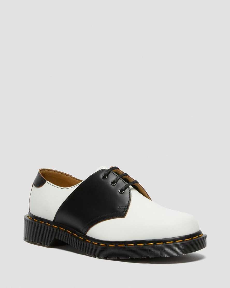 https://i1.adis.ws/i/drmartens/26710101.87.jpg?$large$1461 Leather Saddle Shoes | Dr Martens