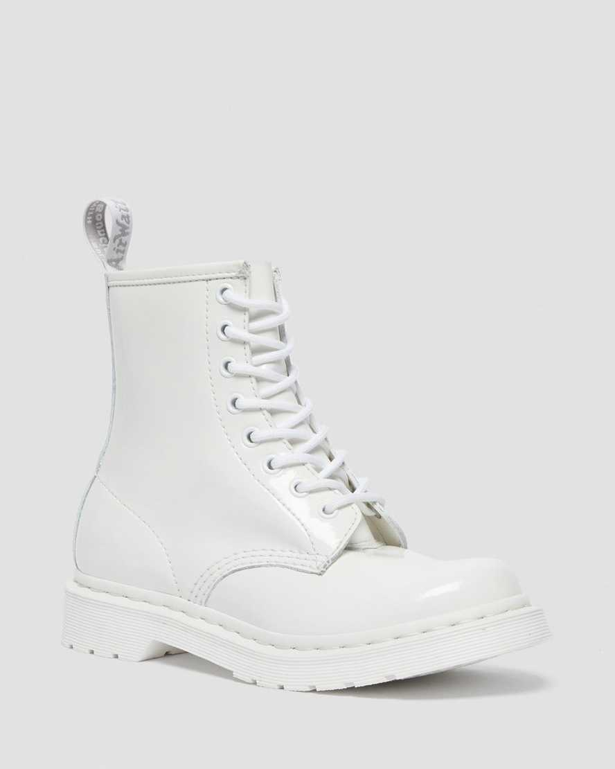 https://i1.adis.ws/i/drmartens/26728100.88.jpg?$large$1460 Mono Patent Leather Lace Up Boots | Dr Martens