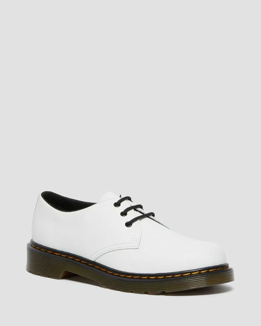 https://i1.adis.ws/i/drmartens/26777100.88.jpg?$large$Youth 1461 Leather Lace Up Shoes | Dr Martens