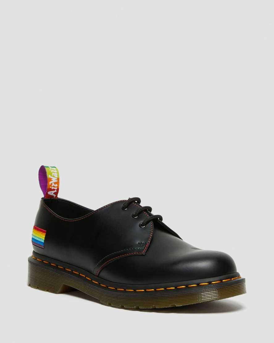 https://i1.adis.ws/i/drmartens/26800001.88.jpg?$large$1461 FOR PRIDE SMOOTH LEATHER OXFORD SHOES | Dr Martens