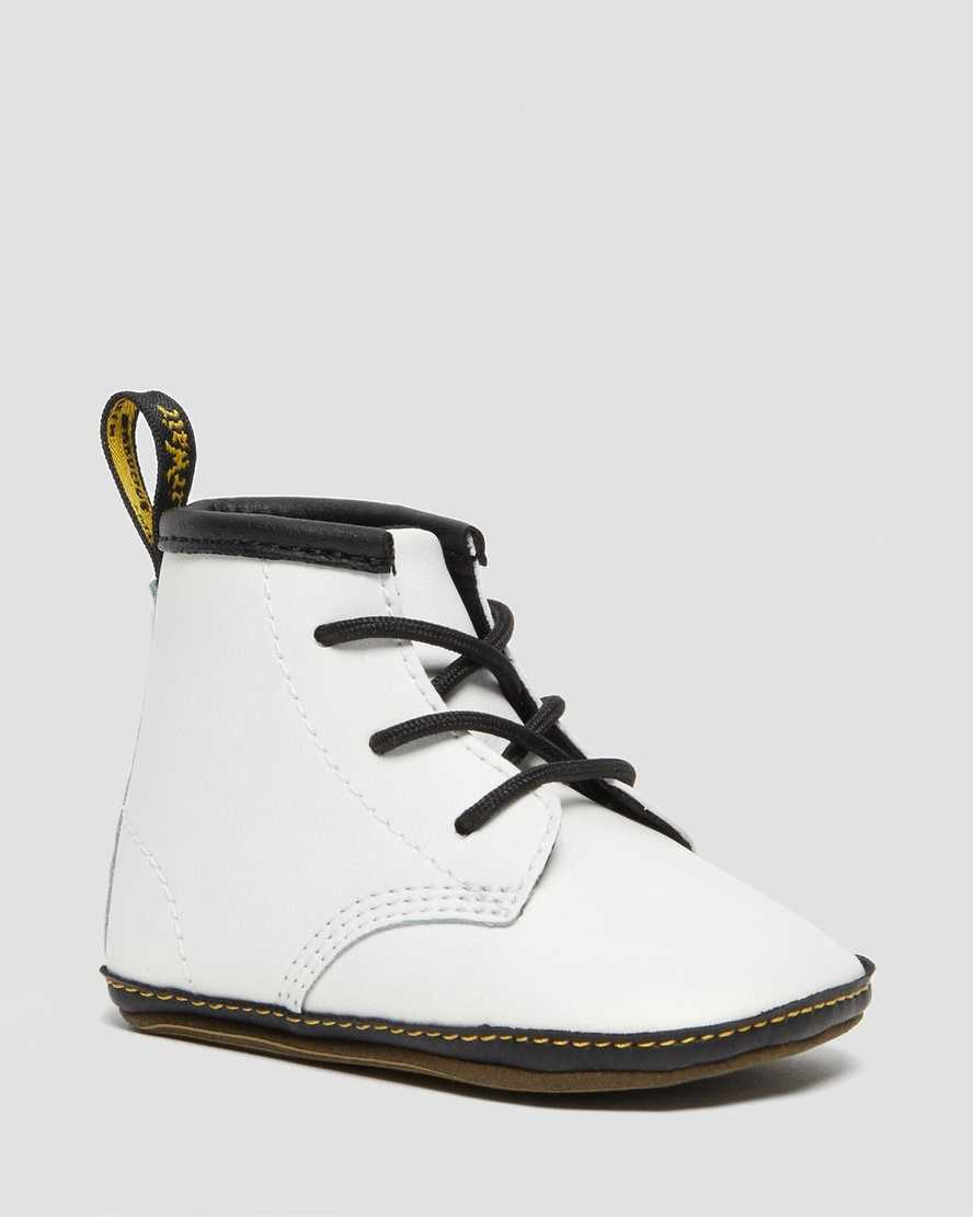 https://i1.adis.ws/i/drmartens/26808100.88.jpg?$large$1460 Crib Baby Leather Booties | Dr Martens