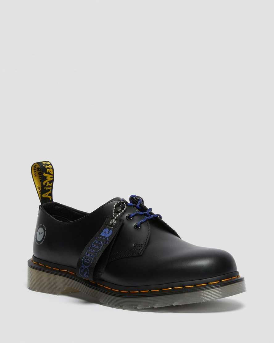 https://i1.adis.ws/i/drmartens/26928001.88.jpg?$large$1461 Atmos Leather Oxford Shoes | Dr Martens