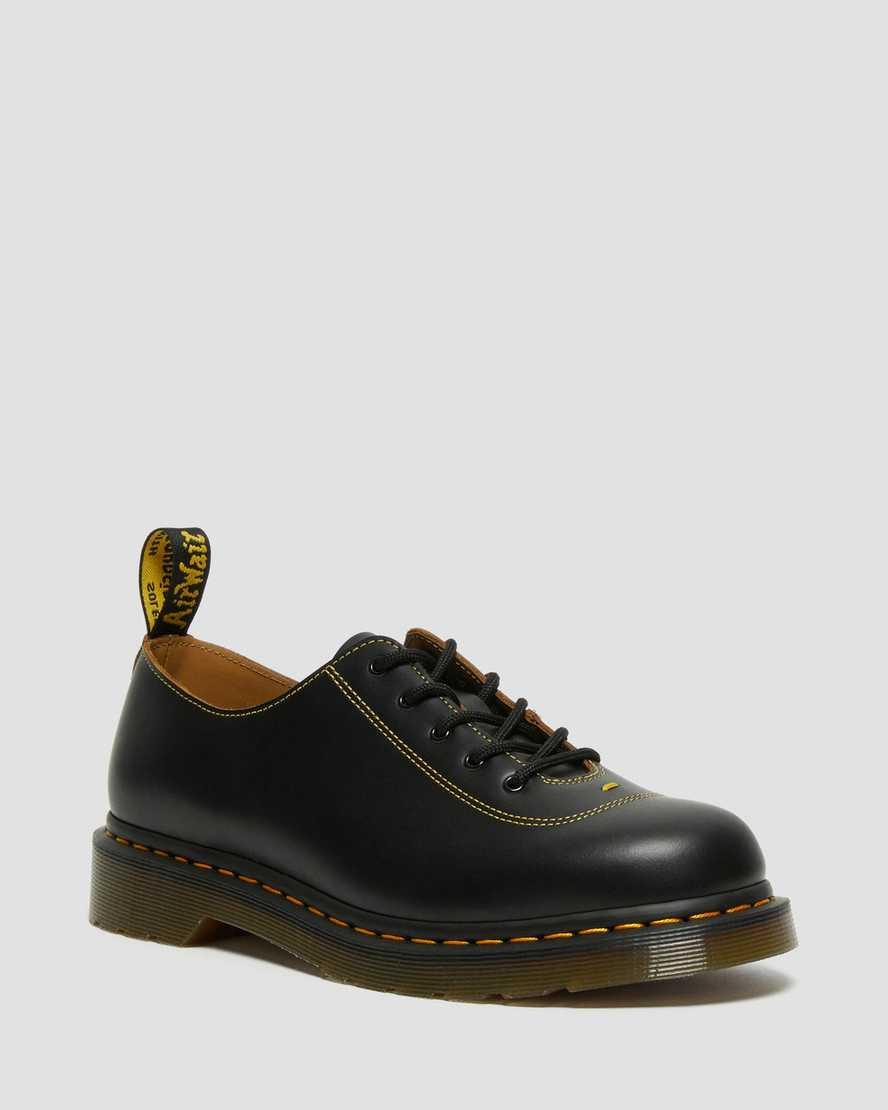 https://i1.adis.ws/i/drmartens/26972001.88.jpg?$large$Glyndon Vintage Smooth Leather Lace Up Shoes | Dr Martens