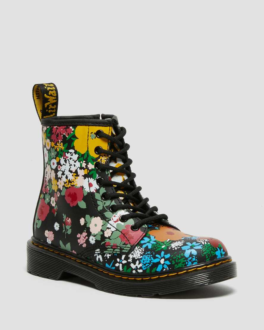 https://i1.adis.ws/i/drmartens/27093001.88.jpg?$large$Junior 1460 Floral Mash Up Leather Lace Up Boots | Dr Martens