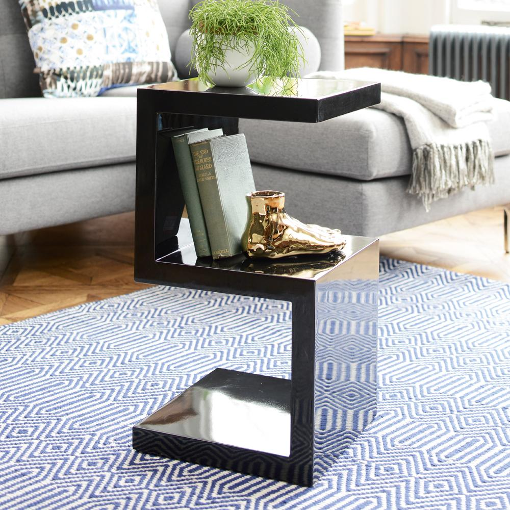 S side table black