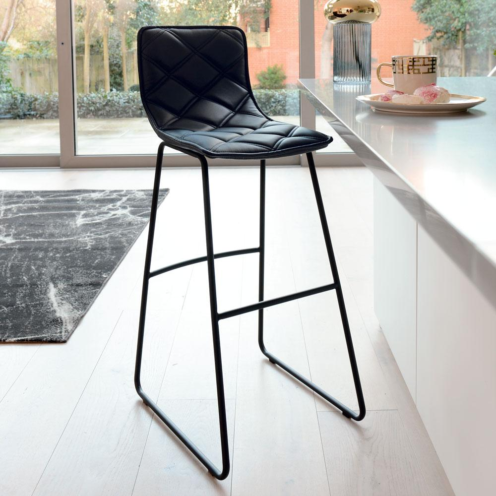 Portela bar stool black