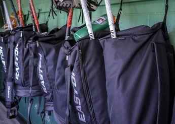 2018-retro-duffle-baseball-bag