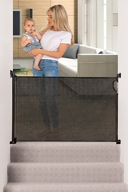 Dreambaby White Retractable Gate