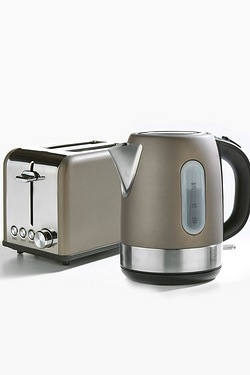 Bronze Toaster and Kettle Offer