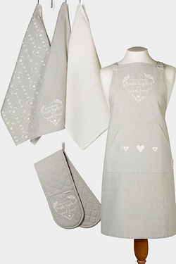 Cooksmart Apron, Oven Glove and Tea Towels