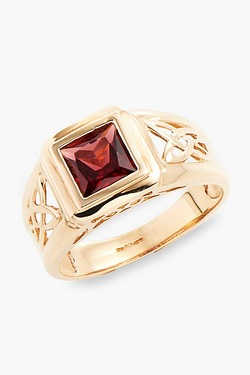 9ct Gold Celtic Style Garnet Ring