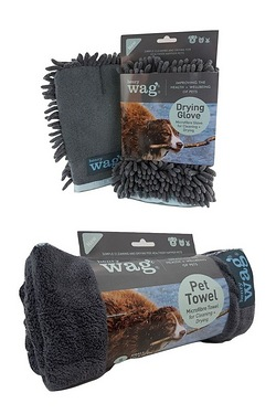Henry Wag Clean and Dry Set With Glove And Towel
