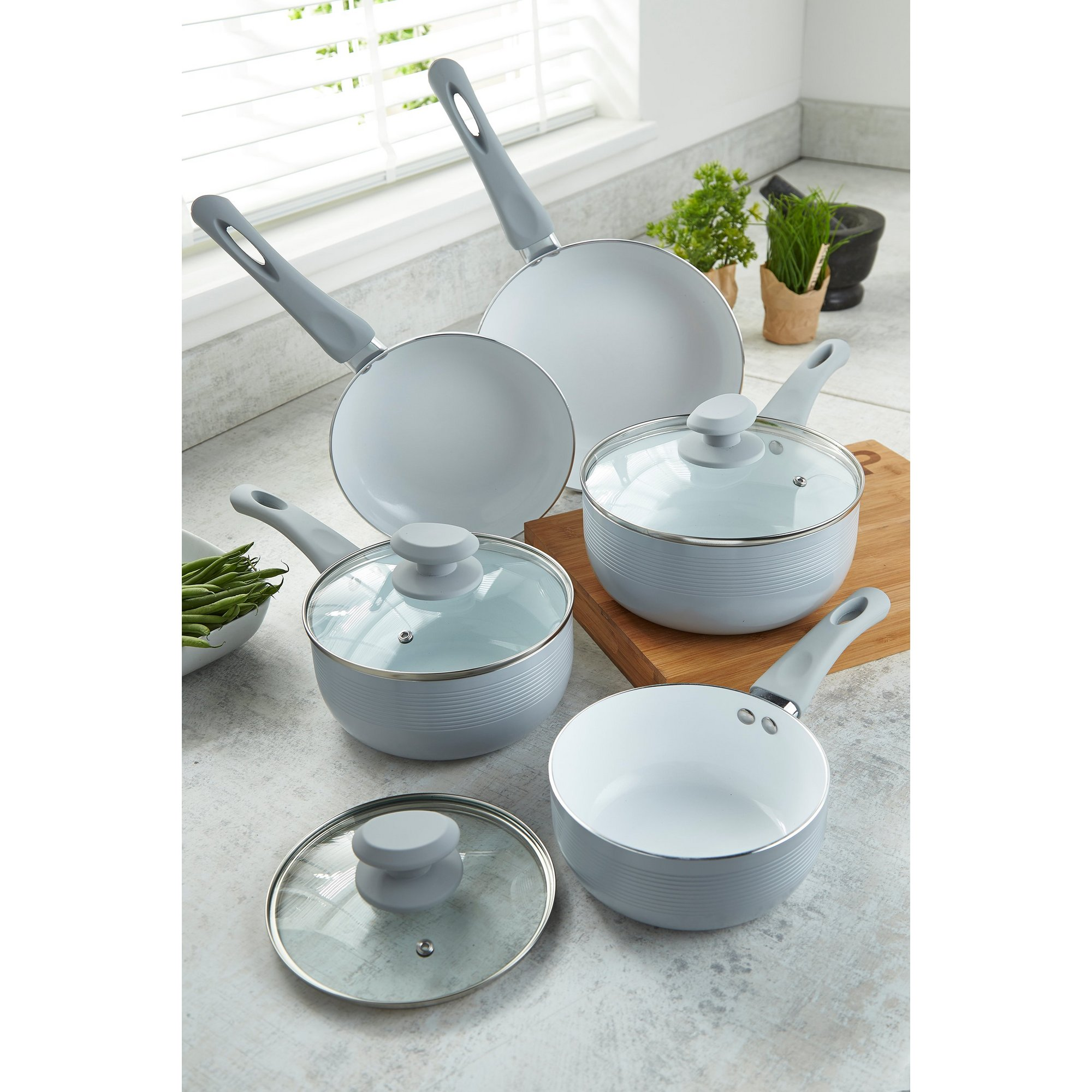 Image of 5-Piece Aluminium Ribbed Pan Set