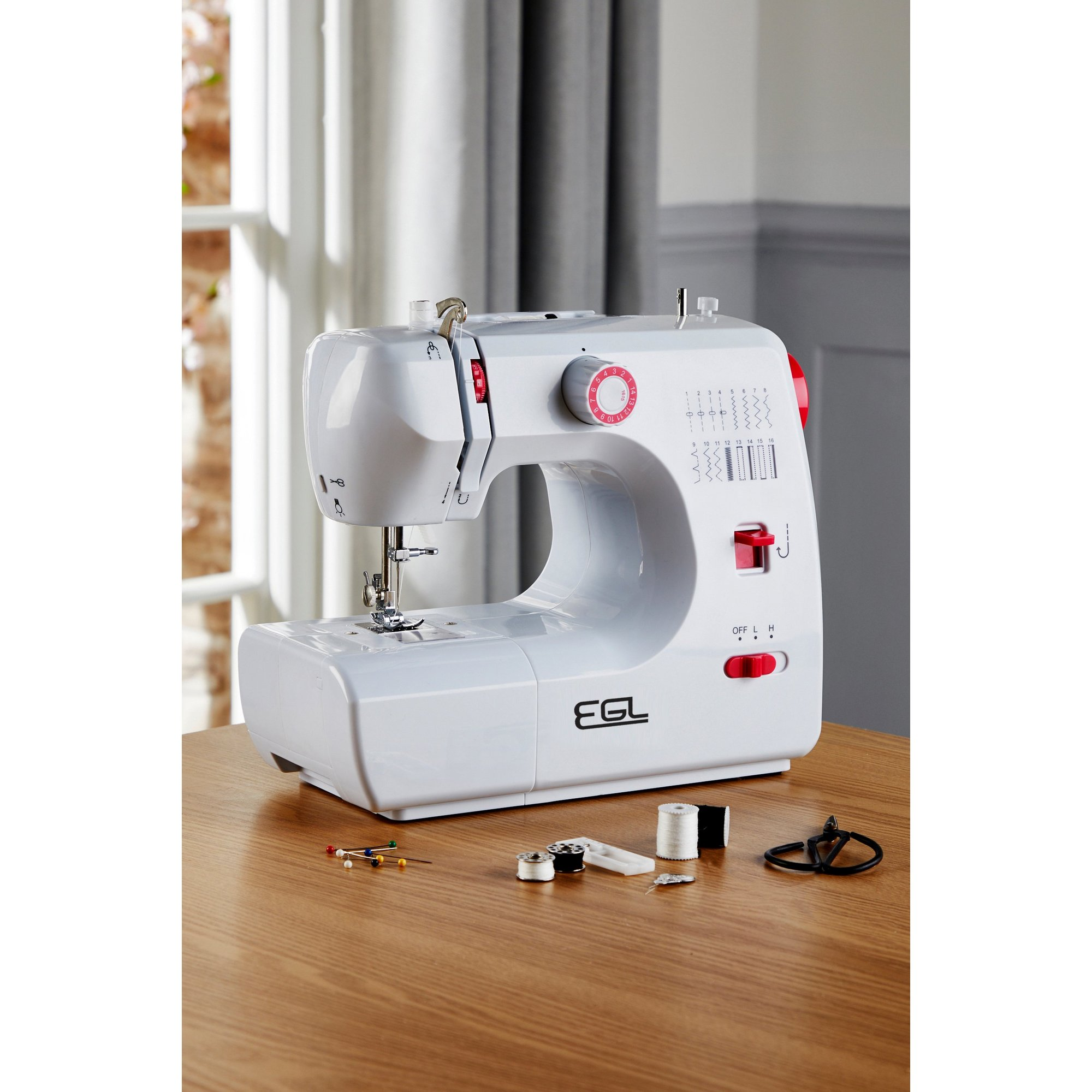 Image of 700 Sewing Machine