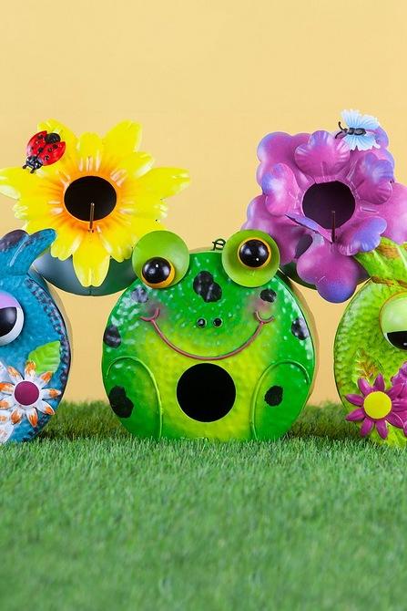 Frog Garden Birdhouse Studio