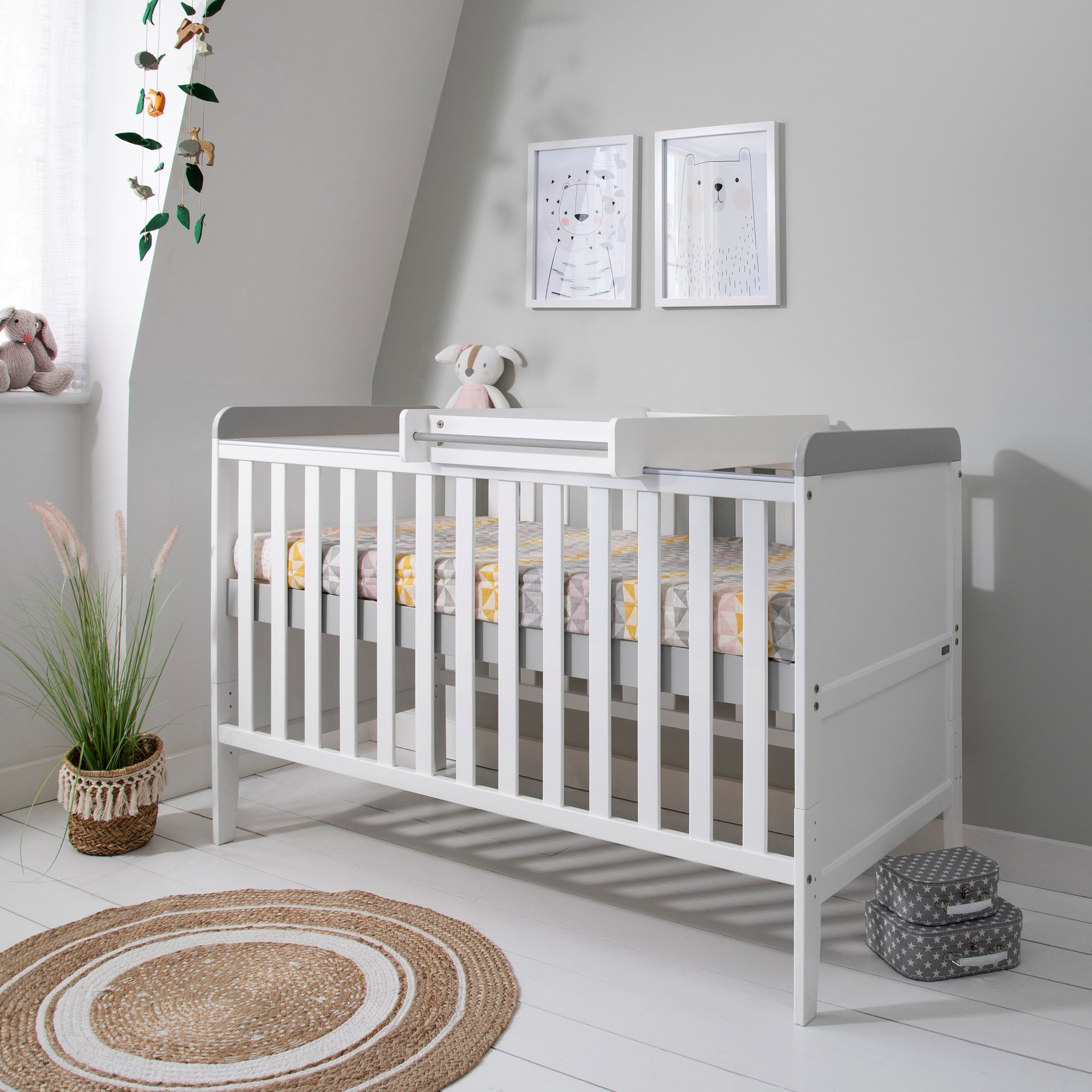 Image of Rio Cot Bed with Cot Top Changer