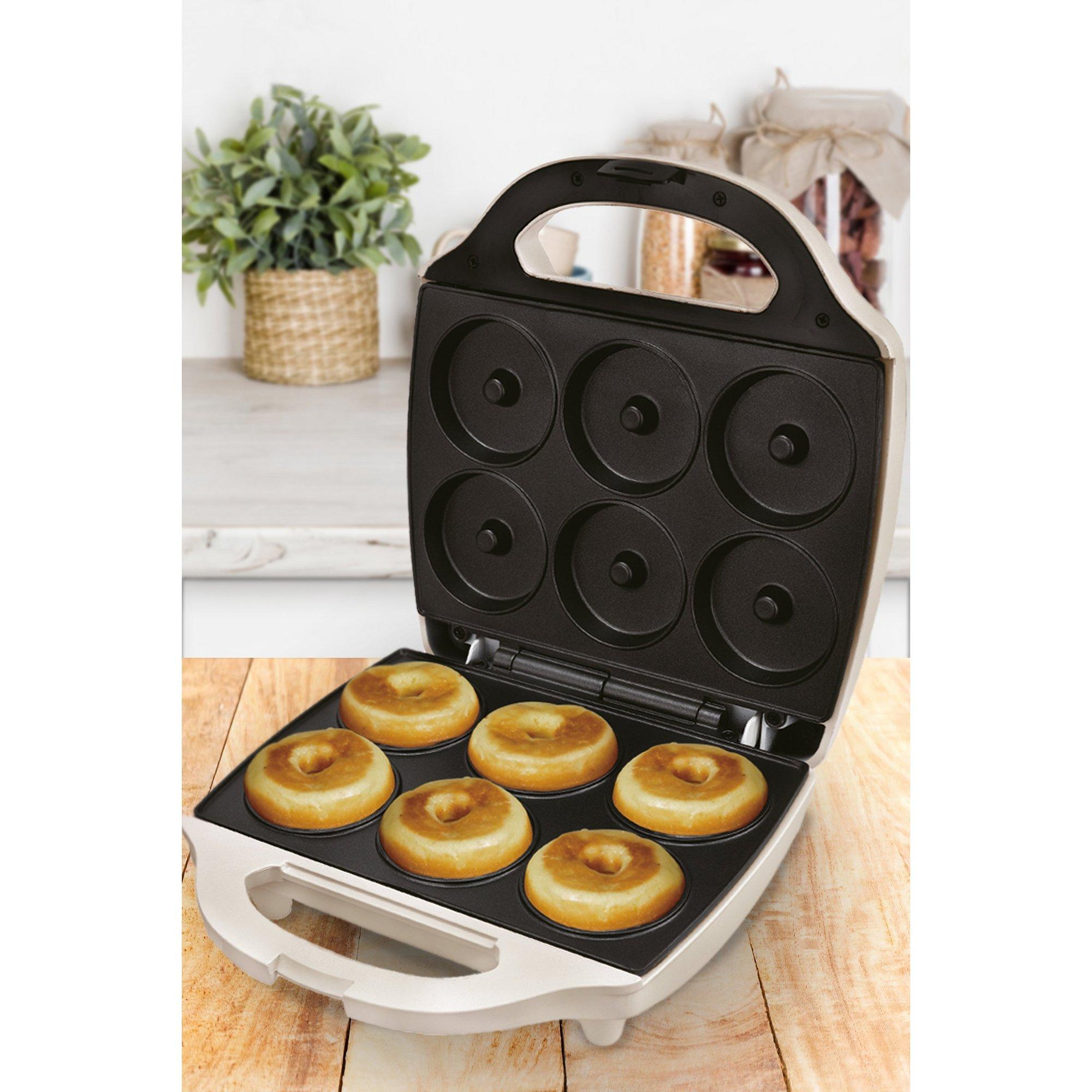 Image of Bundt Cake Maker