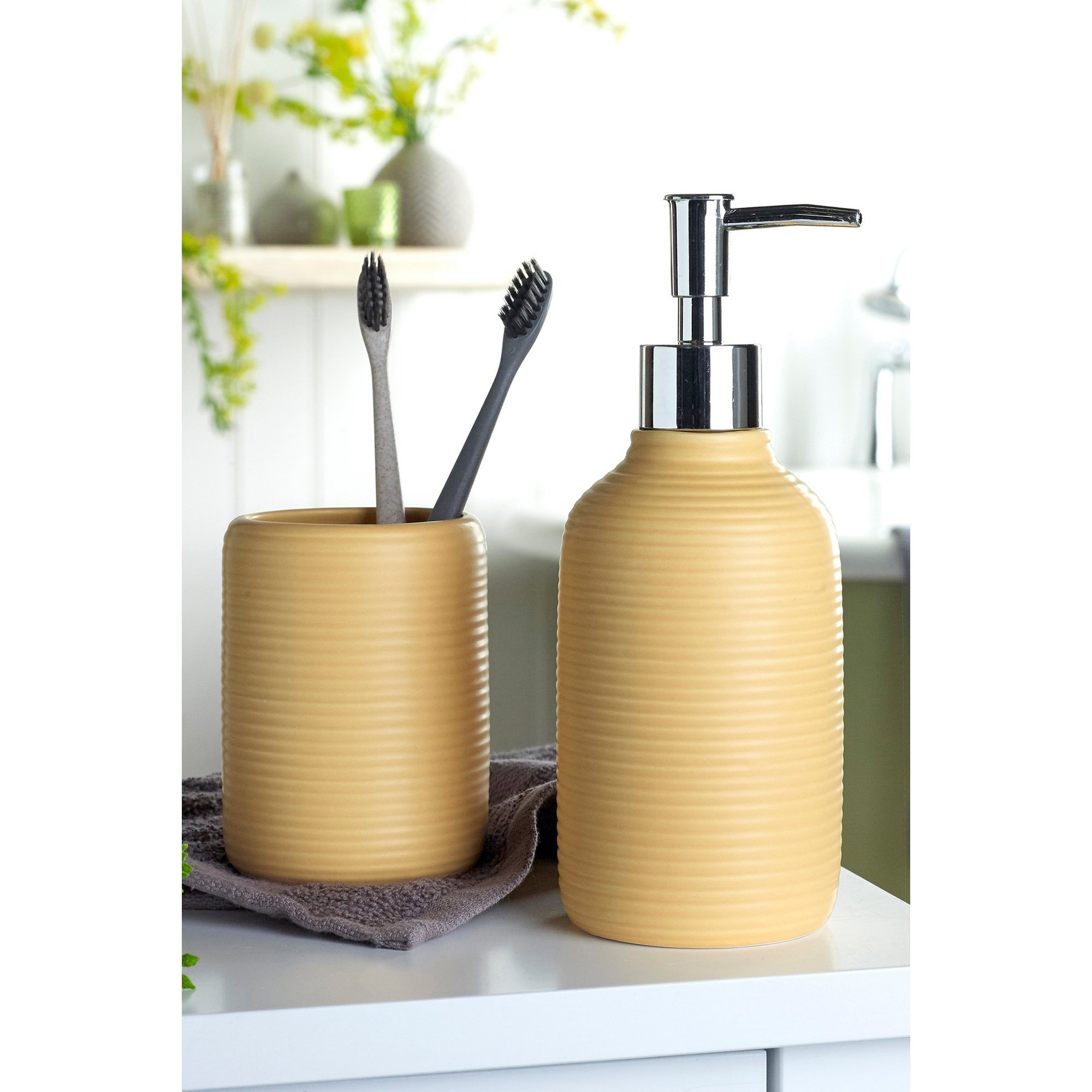 Image of 2-Piece Ochre Ribbed Accessory Set
