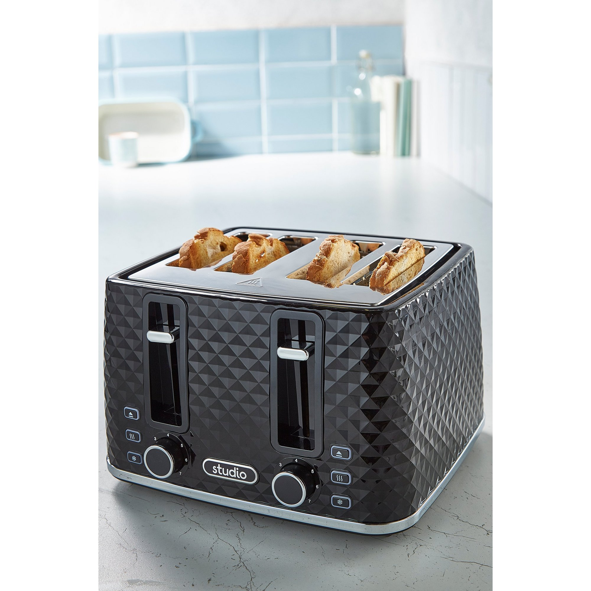 Image of Black Diamond 4-Slice Toaster
